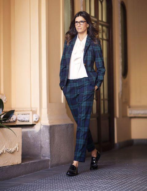 Sleeve, Collar, Telephone, Outerwear, Plaid, Style, Tartan, Knee, Street fashion, Blazer,