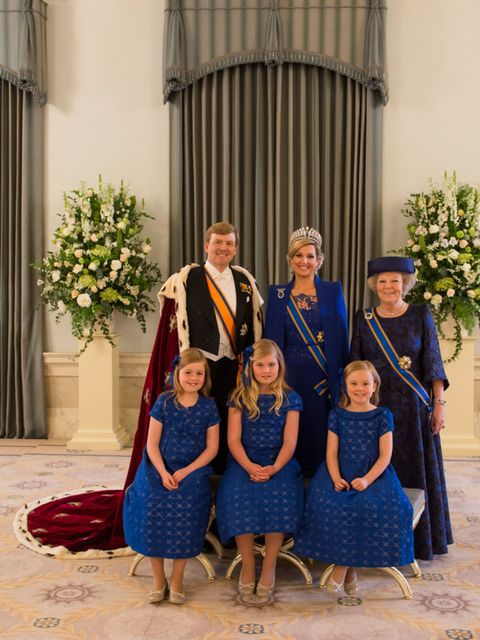 People, Dress, Tradition, One-piece garment, Ceremony, Floristry, Flower Arranging, Vintage clothing, Bouquet, Family,