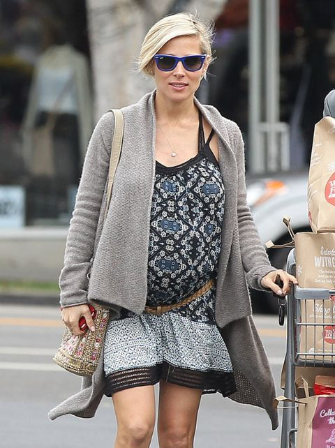 Clothing, Eyewear, Glasses, Vision care, Sunglasses, Outerwear, Style, Street fashion, Fashion accessory, Bag,