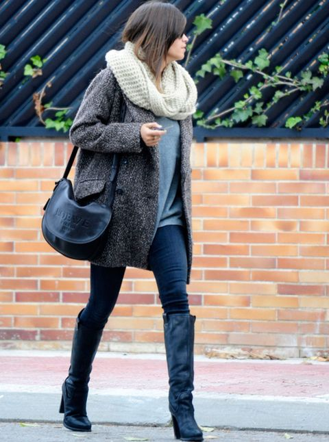 Clothing, Leg, Textile, Joint, Outerwear, Style, Bag, Street fashion, Boot, Fashion accessory,