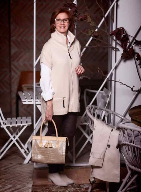 Product, Brown, Sleeve, Bag, Fashion accessory, Style, Luggage and bags, Shoulder bag, Fashion, Beige,