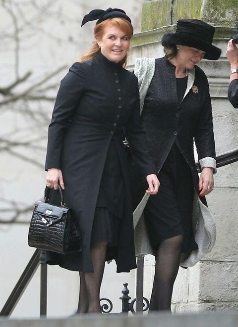Sleeve, Hat, Coat, Outerwear, Style, Collar, Formal wear, Headgear, Bag, Fashion,