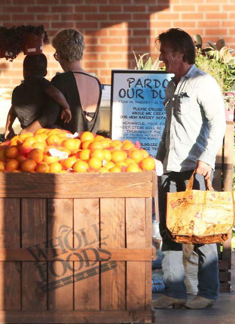 Local food, Food, Produce, Whole food, Tangerine, Natural foods, Citrus, Fruit, Bag, Mandarin orange,