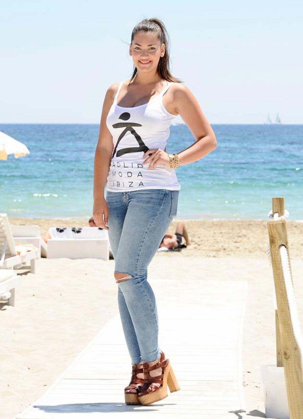 Misses y modelos llegan a Ibiza cargadas de noticias