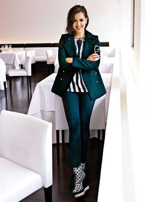 Clothing, Sleeve, Collar, Outerwear, Style, Formal wear, Blazer, Knee, Fashion, Teal,