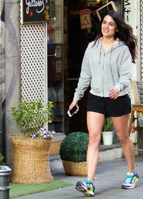 Clothing, Footwear, Leg, Human leg, Flowerpot, Style, Street fashion, Thigh, Knee, Athletic shoe,