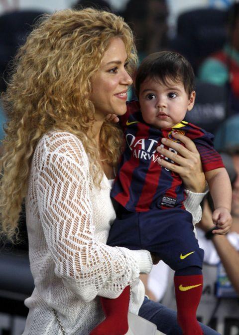 Baby & toddler clothing, Sock, Ringlet, Blond, Brown hair, Jheri curl, Long hair, Baby, Love, Lap,