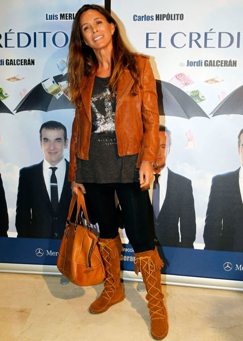 Brown, Trousers, Coat, Outerwear, Bag, Style, Boot, Fashion accessory, Tan, Leather,