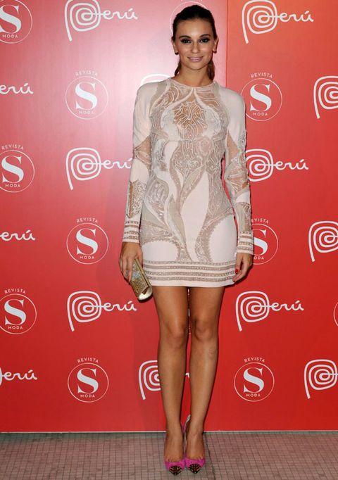 Shoulder, Human leg, Joint, Red, Dress, Style, One-piece garment, Fashion, Pattern, Fashion model,
