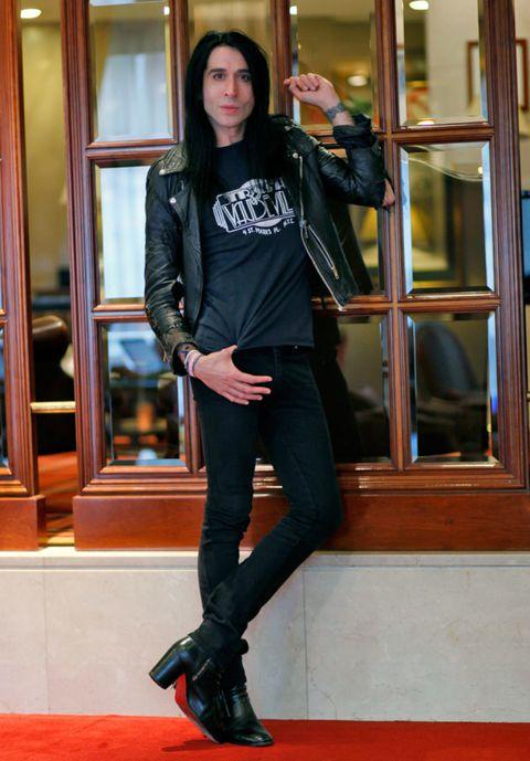 Jacket, Textile, Joint, Outerwear, Denim, Style, Street fashion, Leather, Fashion accessory, Fashion,