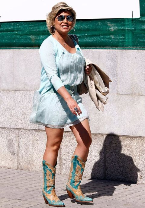 Clothing, Human leg, Sunglasses, Goggles, Bag, Dress, Fashion accessory, Street fashion, Teal, Jewellery,