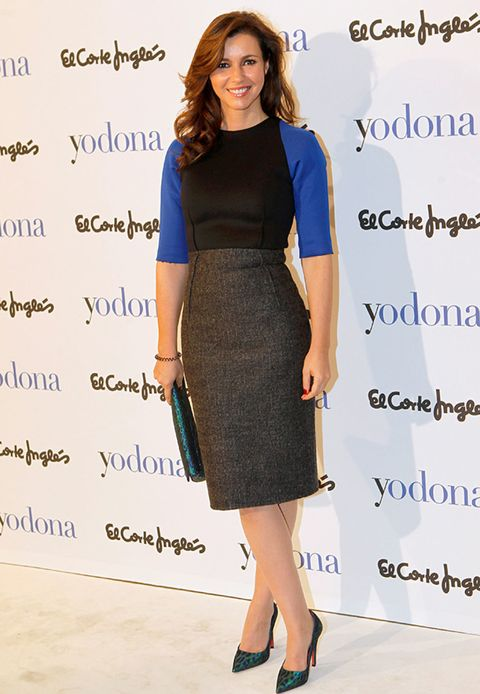 Clothing, Blue, Sleeve, Shoulder, Joint, Style, Waist, Electric blue, Fashion accessory, Knee,