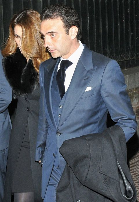 Clothing, Coat, Dress shirt, Hairstyle, Collar, Shirt, Outerwear, Formal wear, Pocket, Suit,