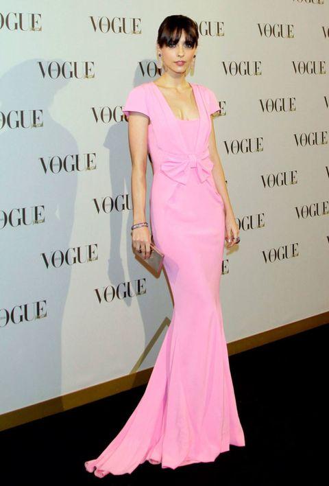 Clothing, Shoulder, Dress, Pink, Style, Formal wear, Magenta, Sunglasses, Fashion model, Fashion,
