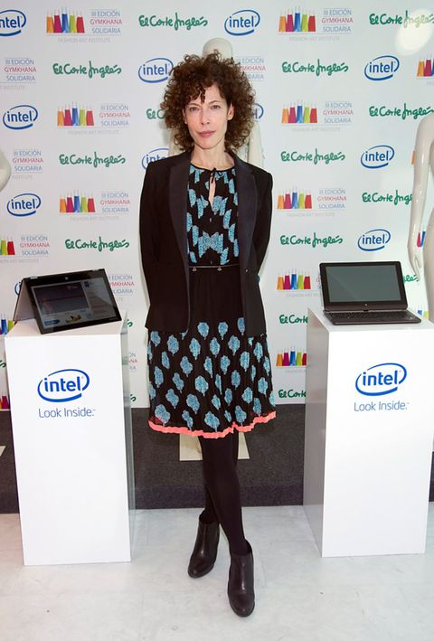 Electronic device, Standing, Technology, Dress, Style, Fashion, Office equipment, Display device, Office supplies, Boot,
