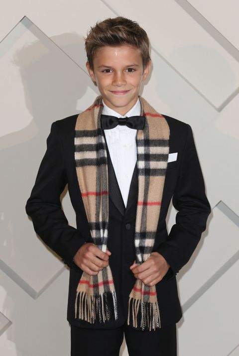 Clothing, Dress shirt, Collar, Bow tie, Outerwear, Coat, Formal wear, Style, Tie, Fashion,