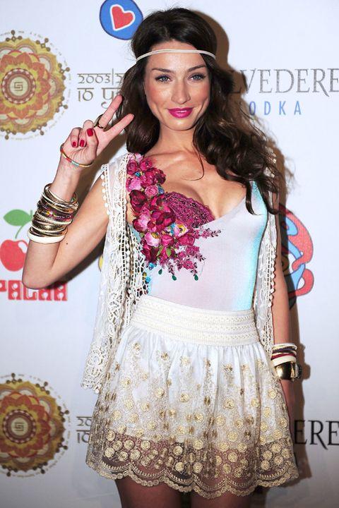 Clothing, Style, Pattern, Fashion accessory, Waist, Fashion, Dress, Day dress, Eyelash, Fashion model,