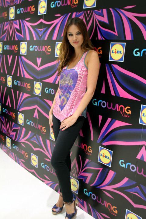 Pink, Style, Purple, Knee, Fashion, Sandal, Magenta, Beauty, Street fashion, High heels,