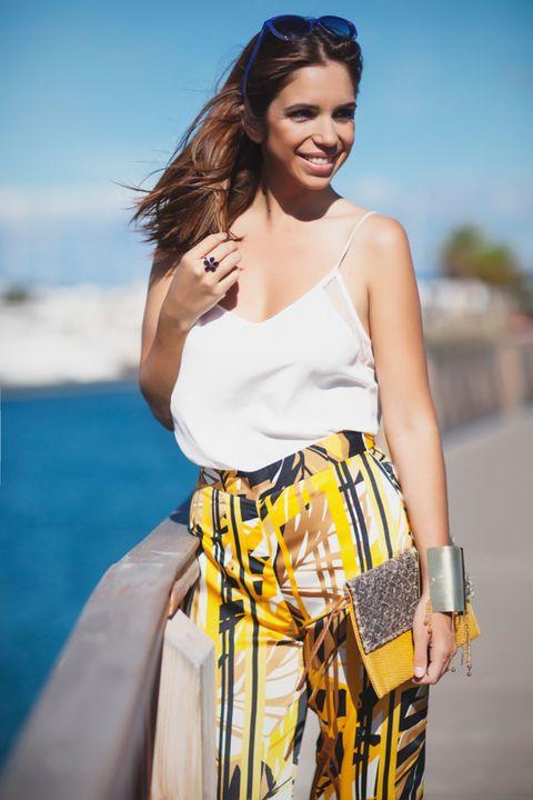 Clothing, Eyewear, Shoulder, Textile, Sunglasses, Bag, Summer, Style, Fashion accessory, Street fashion,