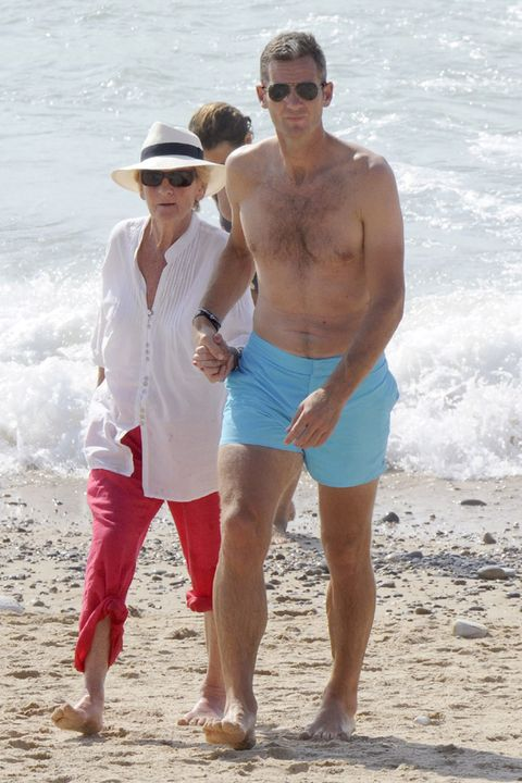Eyewear, Glasses, Vision care, Leg, Fun, Human body, Hat, Goggles, People on beach, Sunglasses,