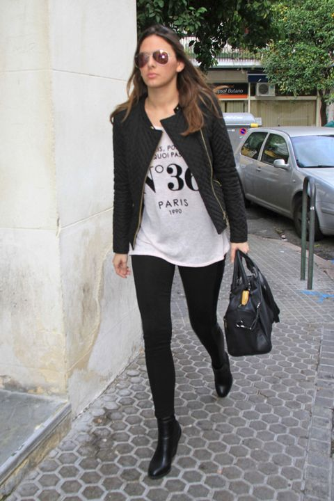 Clothing, Textile, Outerwear, Bag, Style, Sunglasses, Street fashion, Fashion, Luggage and bags, Black,
