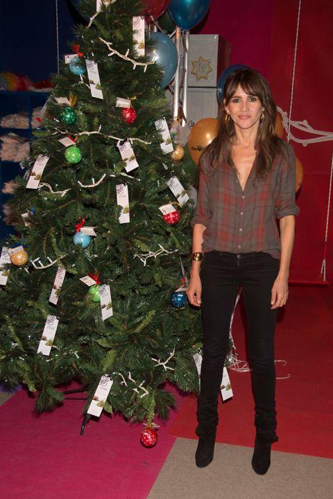 Event, Balloon, Red, Christmas tree, Christmas decoration, Interior design, Christmas ornament, Interior design, Holiday, Christmas eve,