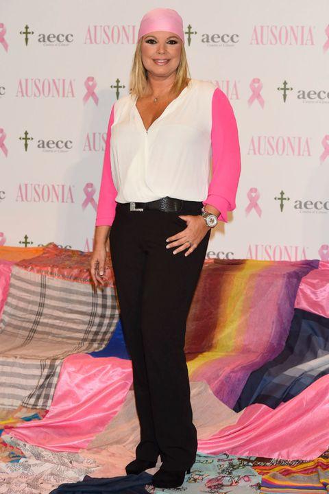 Sleeve, Pink, Magenta, Style, Collar, Formal wear, Fashion accessory, Lipstick, Fashion, Purple,