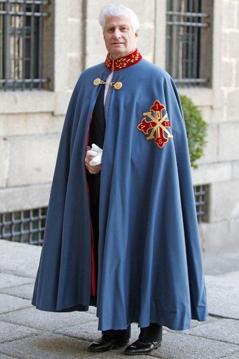 Cloak, Clergy, Cape, Costume, Vestment, Cope, Costume design, Mantle, Tradition, Priesthood,