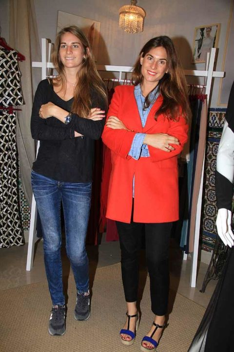 Clothing, Leg, Trousers, Textile, Denim, Outerwear, Jeans, Standing, Fashion accessory, Fashion,