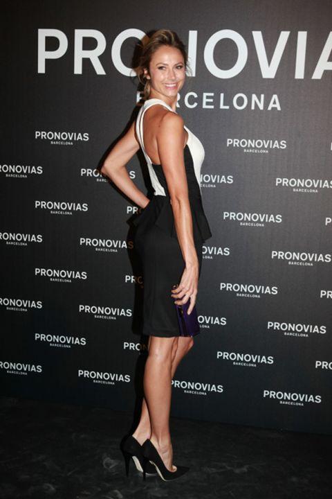 Clothing, Ear, Dress, Shoulder, Joint, Human leg, Style, High heels, Waist, Cocktail dress,