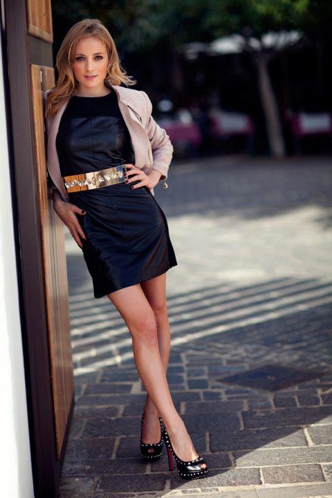 Clothing, Human leg, Shoulder, Joint, Style, Dress, Waist, High heels, Street fashion, Fashion model,