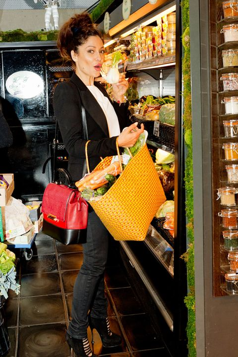 Bag, Retail, Fashion accessory, Luggage and bags, Street fashion, Shopping, Shoulder bag, Handbag, Shelf, Service,