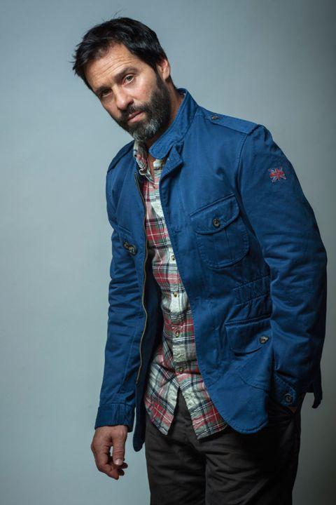 Blue, Dress shirt, Collar, Sleeve, Jacket, Shoulder, Denim, Textile, Shirt, Standing,