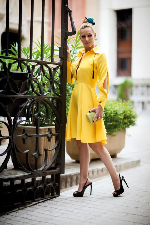 Dress, Flowerpot, Fashion accessory, High heels, Street fashion, Foot, Sandal, Costume, Houseplant, Ankle,