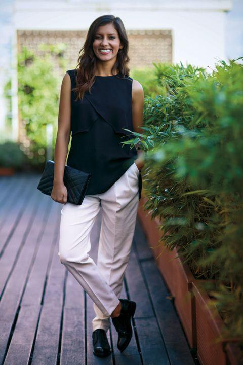 Shoe, Style, Street fashion, Knee, Bag, Waist, Slipper, Long hair, Sleeveless shirt, Brown hair,