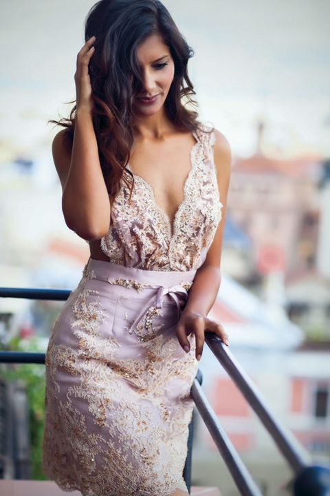 Mouth, Hairstyle, Sleeve, Shoulder, Joint, Dress, Style, Fashion model, Formal wear, Beauty,