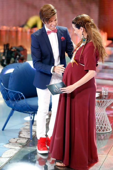 Coat, Trousers, Outerwear, Dress, Suit, Tie, One-piece garment, Love, Gown, Red hair,