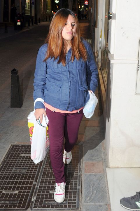 Outerwear, Style, Street fashion, Bag, Athletic shoe, Snapshot, Walking shoe, Pocket, Cross training shoe,
