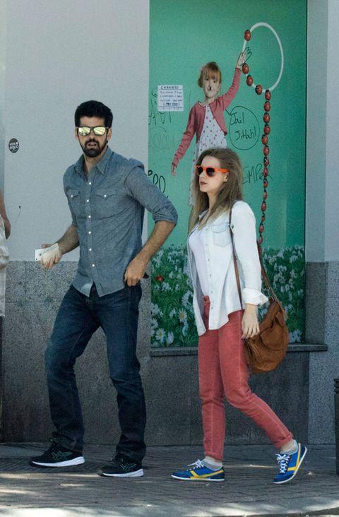 Footwear, Trousers, Denim, Shoe, Shirt, Outerwear, Standing, T-shirt, Style, Cool,
