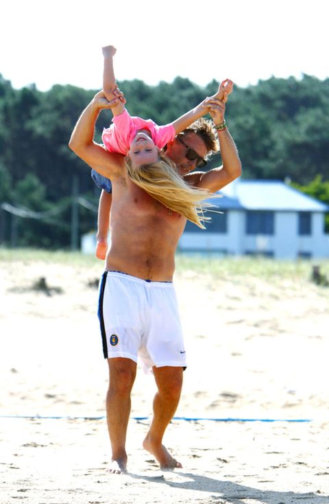 Elbow, Summer, board short, Net sports, People in nature, Shorts, Active shorts, Trunks, Playing sports, Muscle,