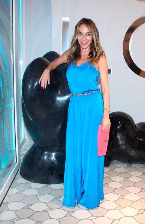 Style, Dress, Formal wear, Aqua, Teal, Beauty, Turquoise, Electric blue, Waist, Cobalt blue,
