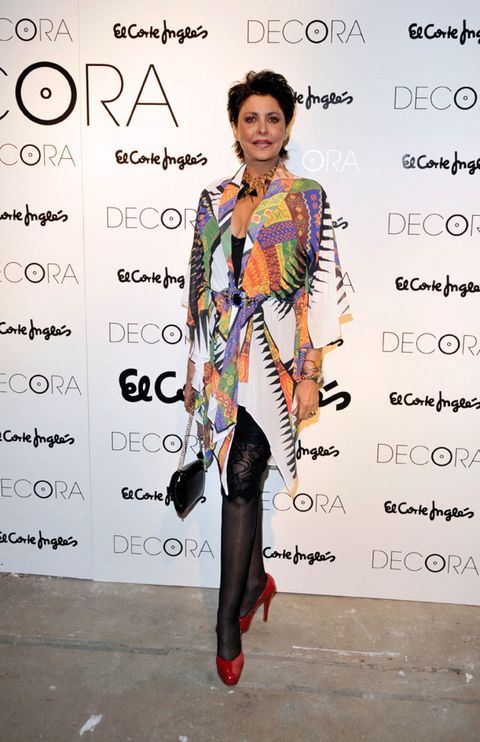 Style, Street fashion, Fashion, Knee, Fashion model, Tights, Fashion design, Makeover, Day dress, Pattern,