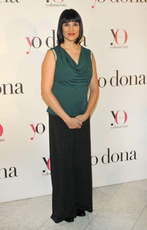 Dress, Shoulder, Red, Style, Formal wear, Flooring, Logo, One-piece garment, Premiere, Cocktail dress,