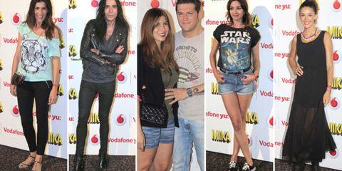 Clothing, Leg, Smile, Trousers, Denim, Jeans, Shirt, Outerwear, T-shirt, Style,