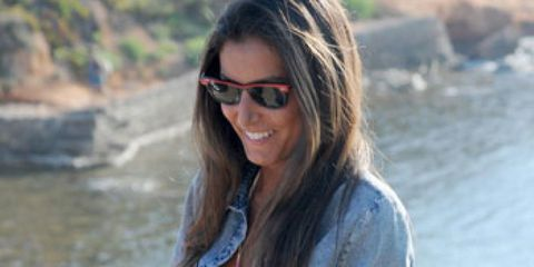 Eyewear, Vision care, Glasses, Hairstyle, Sleeve, Sunglasses, Water resources, Textile, Summer, Street fashion,