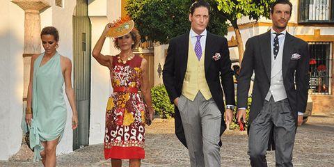 Leg, Coat, Trousers, Dress, Shirt, Suit, Outerwear, Suit trousers, Formal wear, Collar,