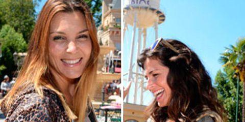 Smile, Lighting, Happy, Facial expression, Tourism, Street fashion, Travel, Long hair, Street light, Light fixture,