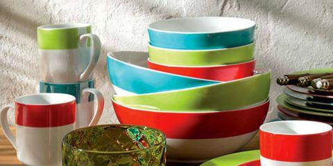 Serveware, Green, Dishware, Drinkware, Tableware, Cup, Saucer, Porcelain, Kitchen utensil, Ceramic,