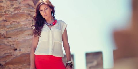 Sleeve, Human body, Collar, Shoulder, Photograph, Style, Waist, Fashion accessory, Neck, Beauty,