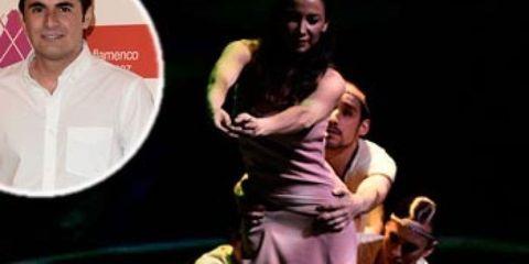 Human body, Dress, Drama, Stage, Fashion, Acting, Scene, heater, Performance art, One-piece garment,